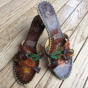 Leather small heel shoe